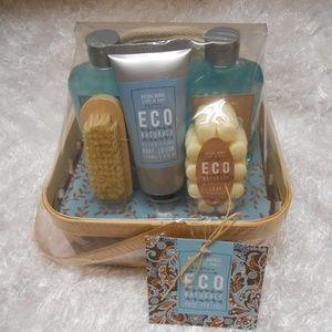 New ECO Naturale Bath Spa Set w/ Basket Christmas
